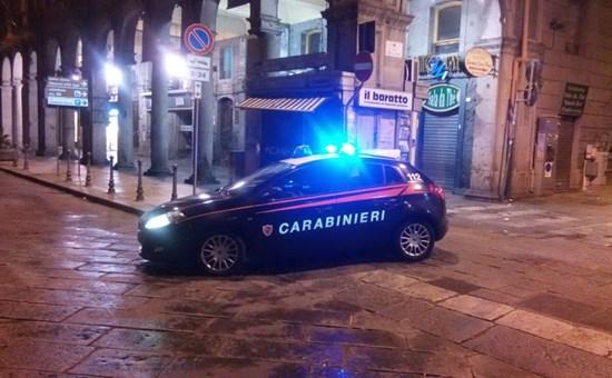 Spara contro un 18enne africano a Cagliari, si cerca un italiano