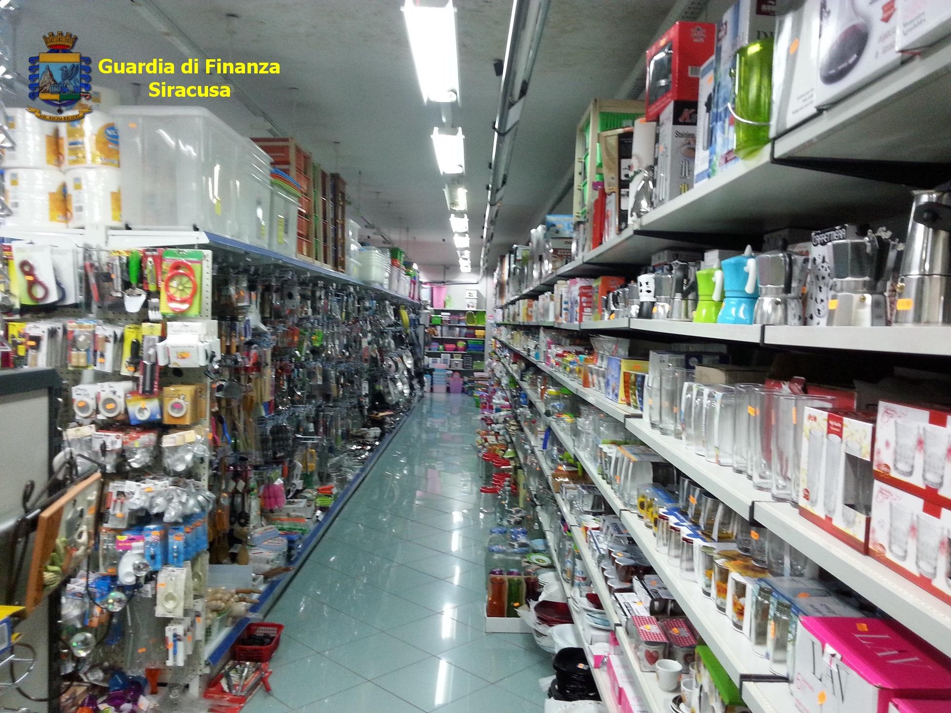 Nel Siracusano, la Finanza nei negozi cinesi: sequestrati 148.000 articoli