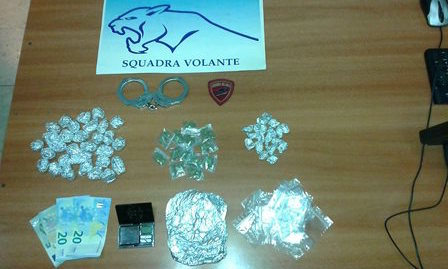 Catania, colto mentre spaccia droga: arrestato un presunto pusher