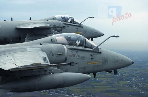 Tangenti per appalti in basi dell'Aeronautica Militare: 8 arresti