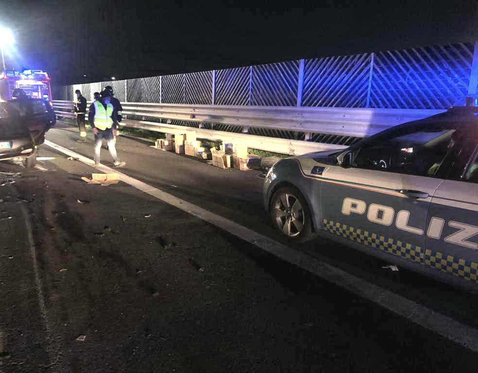 Ha un incidente sulla Catania - Siracusa: in auto aveva materiale esplodente