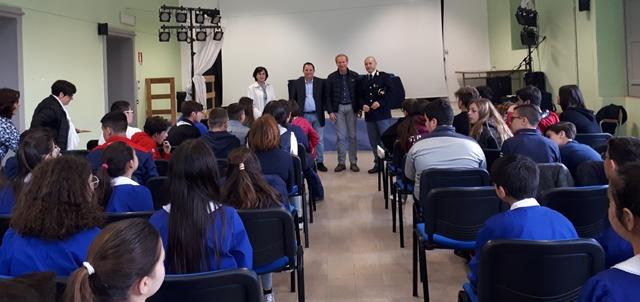 Lezione di legalità, la polizia chiude il progetto alla De Cillis di Rosolini