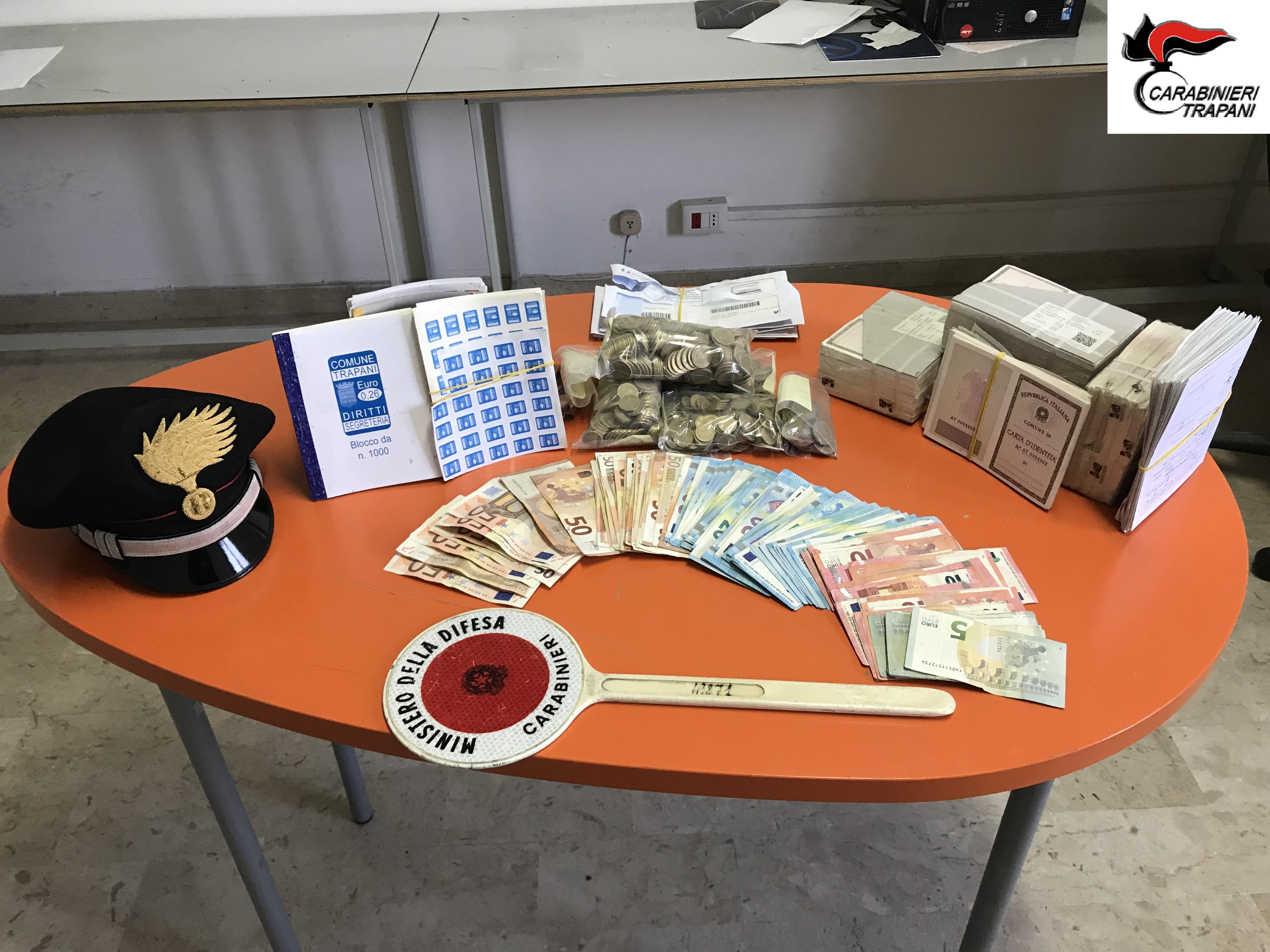 Rubarono una cassaforte al Comune di Trapani, tre arresti