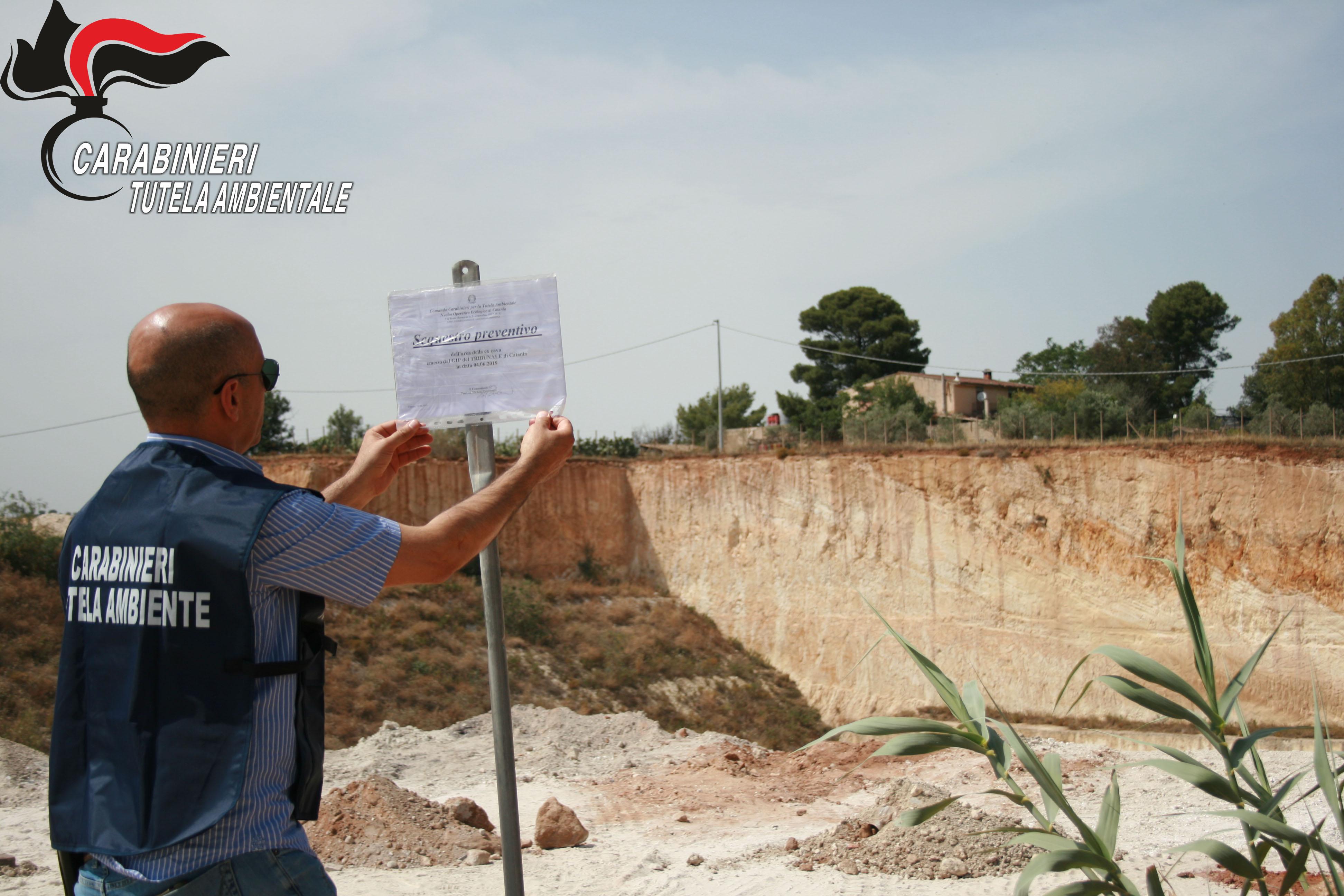 Sequestrata a Vittoria una cava con rifiuti tossici: 2 persone denunciate
