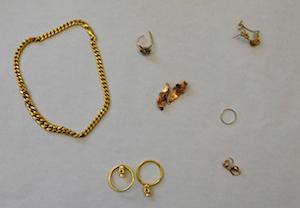 Noto, rubò oggetti in oro: individuato e denunciato