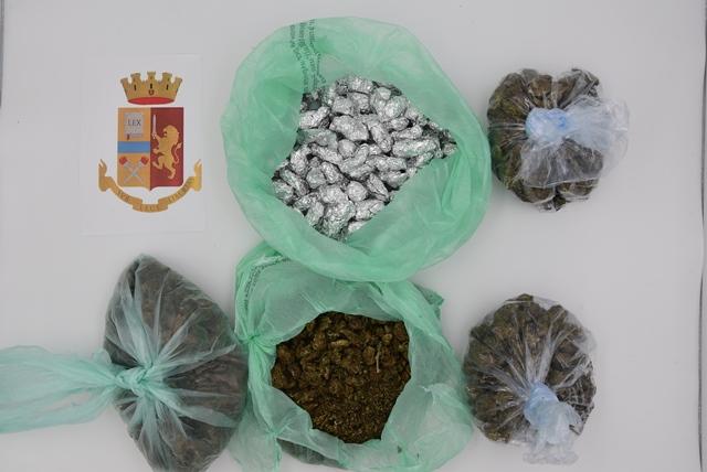 Aveva 800 dosi di marijuana nella borsa della spesa: arrestato a Siracusa