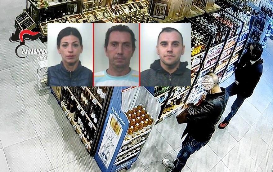 Da Avola a Siracusa per rubare in un  supermercato: 3 arresti, una è donna