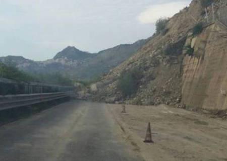 Frana su A18 Messina-Catania, 10 indagati per disastro ambientale