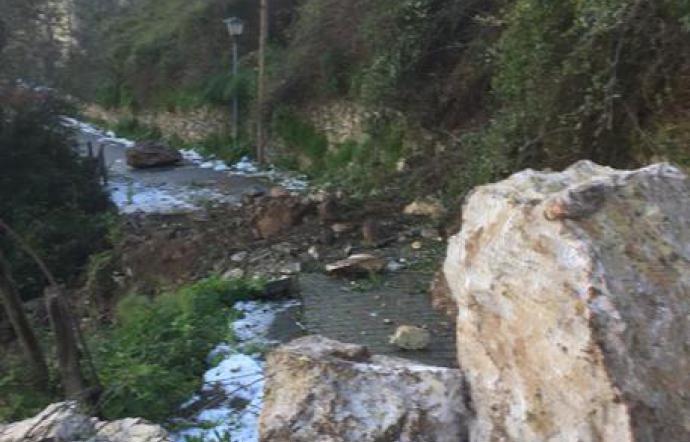Si apre una enorme frana sotto il centro abitato di Castelmola