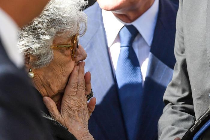 Roma, tricolore e applausi per l'ultimo addio al Presidente Carlo Azeglio Ciampi