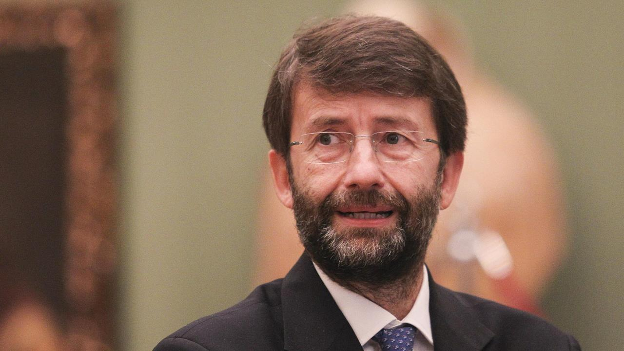 Conte, il governo non cadrà e Franceschini avverte: i contratti non servono ma un'intesa politica