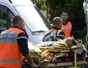 Bus di turisti contro un camion in Francia, 42 morti