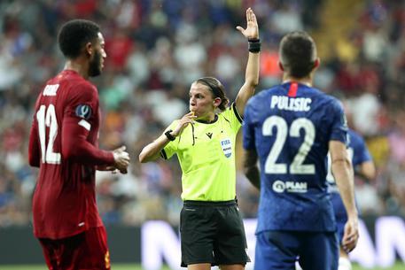 La francese Stephanie Frappart arbitrerà la Juventus in Champions League