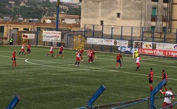 Calcio, Promozione: il Modica si aggiudica di misura la stracittadina col Frigintini ( 1 a 0 )