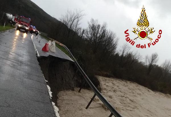 Maltempo, finisce travolto da  un torrente: morto in Friuli e danni in Toscana