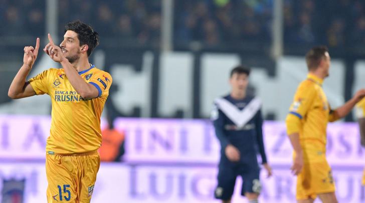 Calcio, il Frosinone torna al successo battendo il Brescia di misura: i ciociari in vetta in B
