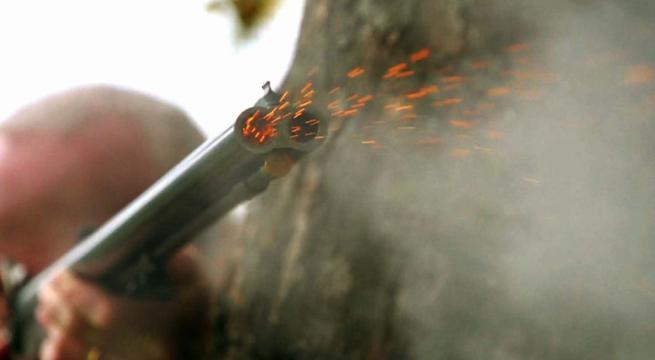 Esplode colpi di fucile dalla terrazza, denunciato a Pachino