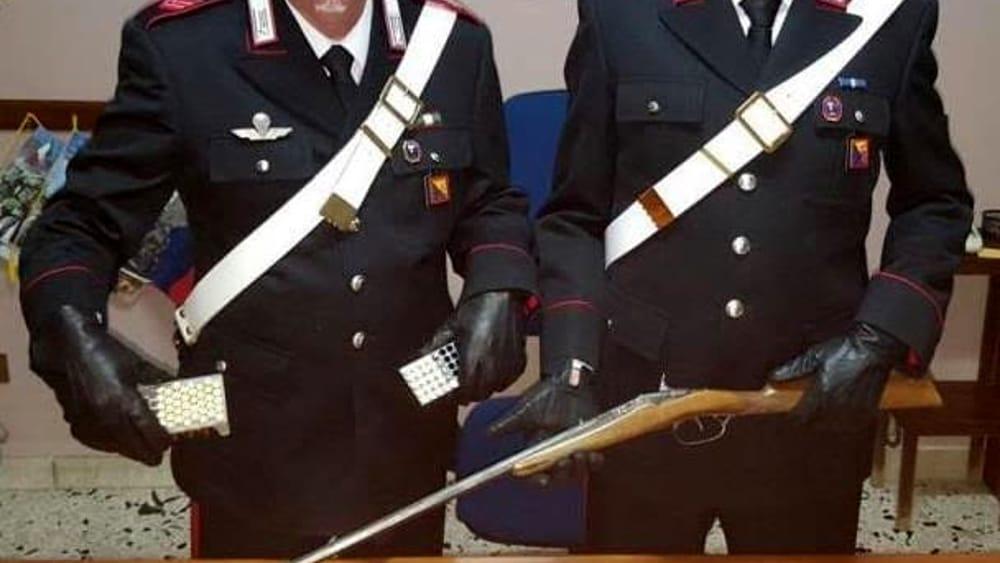 Armi: fucile con matricola abrasa in una stalla a Godrano, arresto