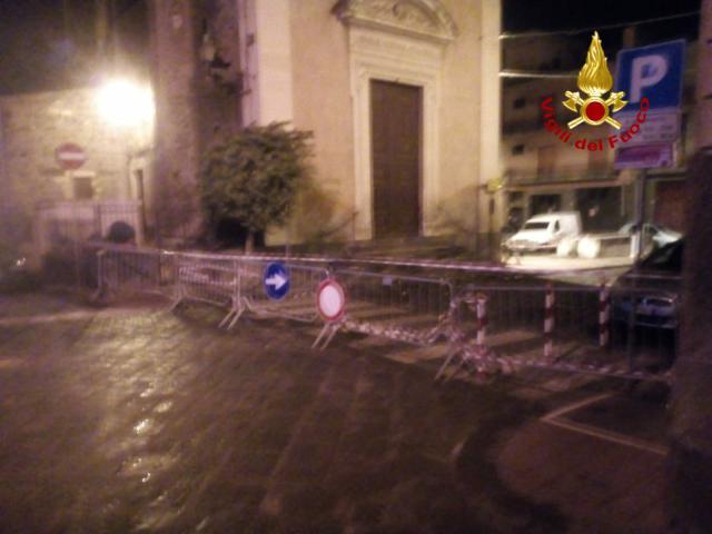 Fulmine sul campanile di una chiesa a Misterbianco: edificio inagibile