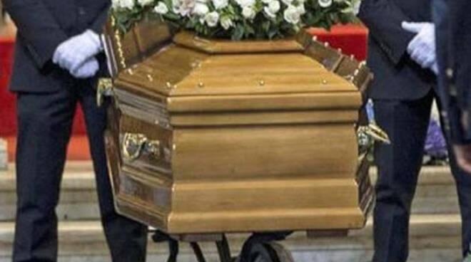 Funerali solo di mattina a Ispica, rivedere l'ordinanza