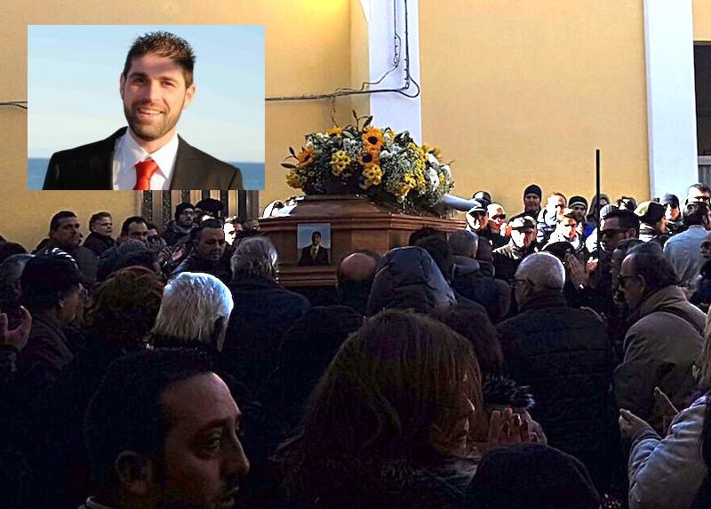 Lacrime e rabbia ai funerali dell'operaio di Augusta morto sul lavoro alla Sep