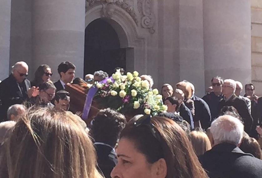 Siracusa, l'addio a Randazzo: applausi al Duomo dopo il funerale