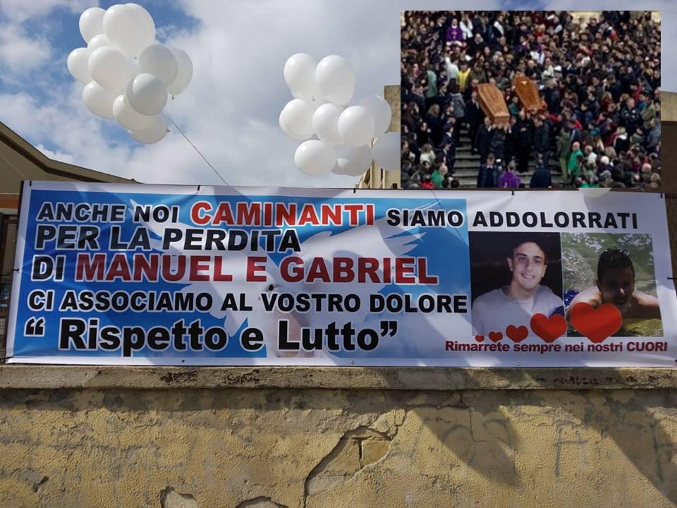 Noto, in tremila in Cattedrale per dare l'ultimo saluto a Manuel e Gabriele