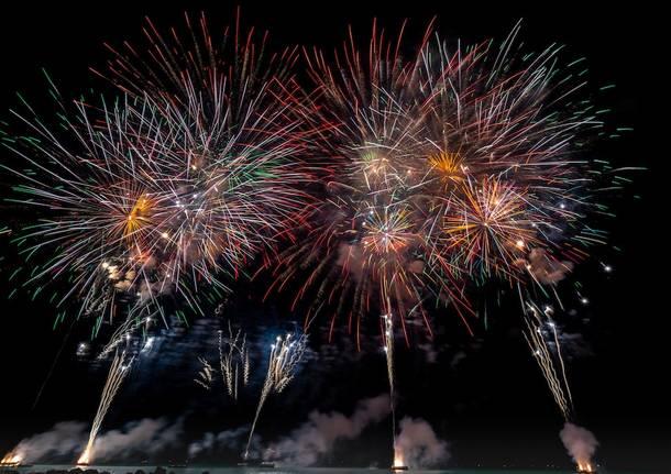 Catania, fuochi per una festa: denunciato quarantenne