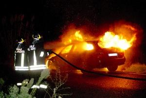 Due auto in fiamme a Siracusa in quartieri diversi