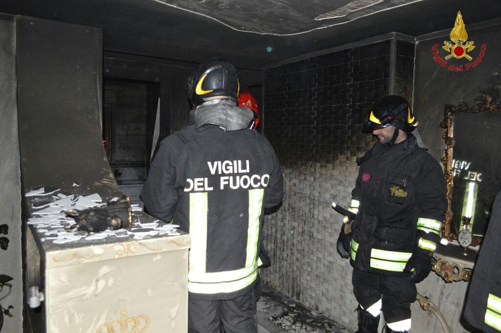 Misterioso incendio a Catania, morto un sorvegliato speciale