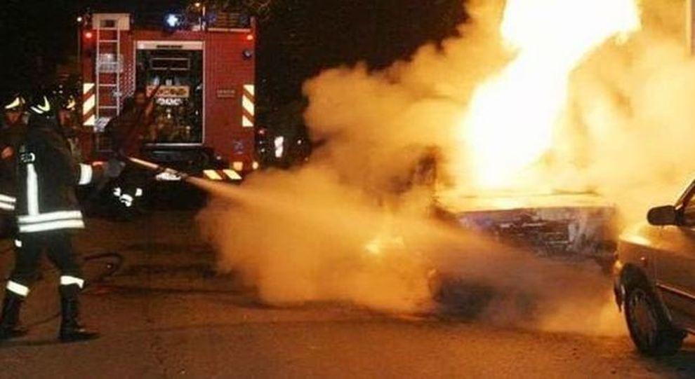 E' accusato di avere dato fuoco a un'auto, giovane arrestato a Priolo