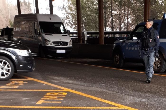 Fermato un furgone sul Monte Bianco carico di tritolo