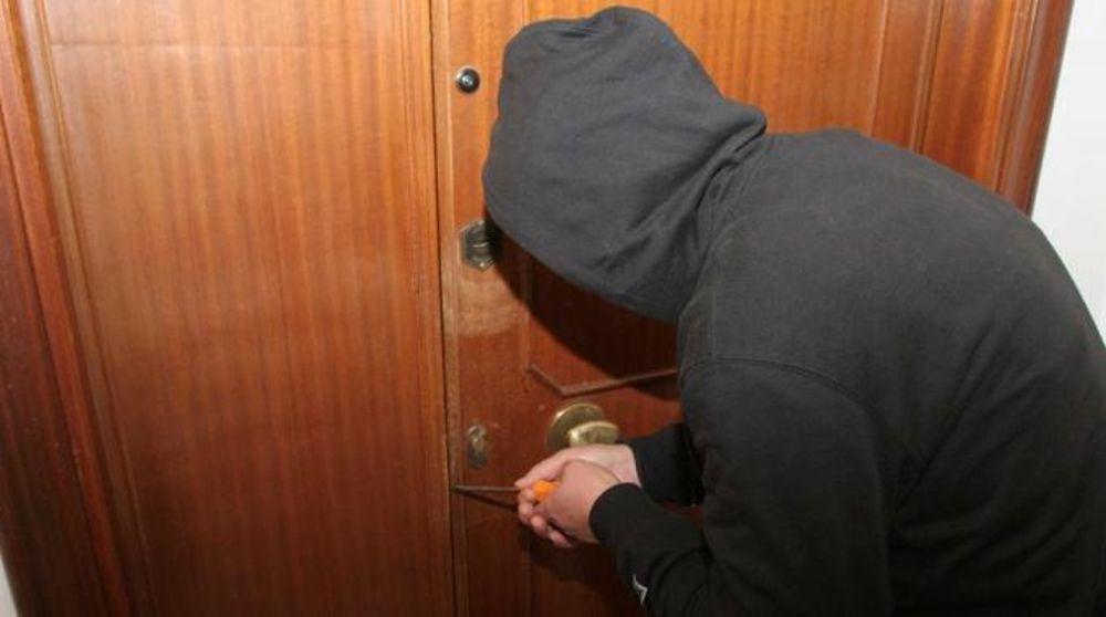 Lentini, 28enne denunciato per furto in un appartamento