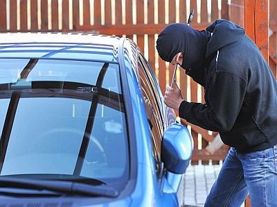Catania, 2 arresti per furto aggravato di un'auto