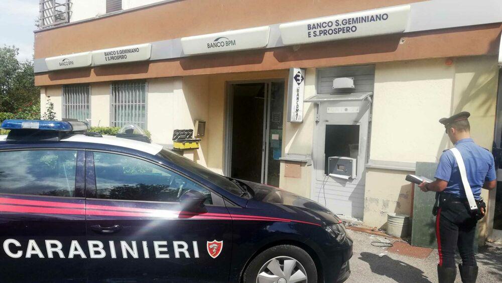 Specializzati negli assalti ai Bancomat: 7 fermi a Bologna