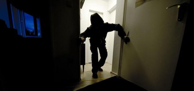 Furto in una casa ad Avola, la polizia denuncia un 43enne