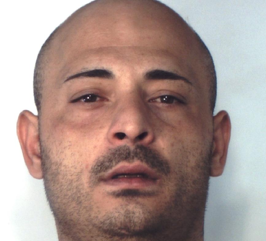 Catania, nasconde cocaina nella camera dei figli: arrestato