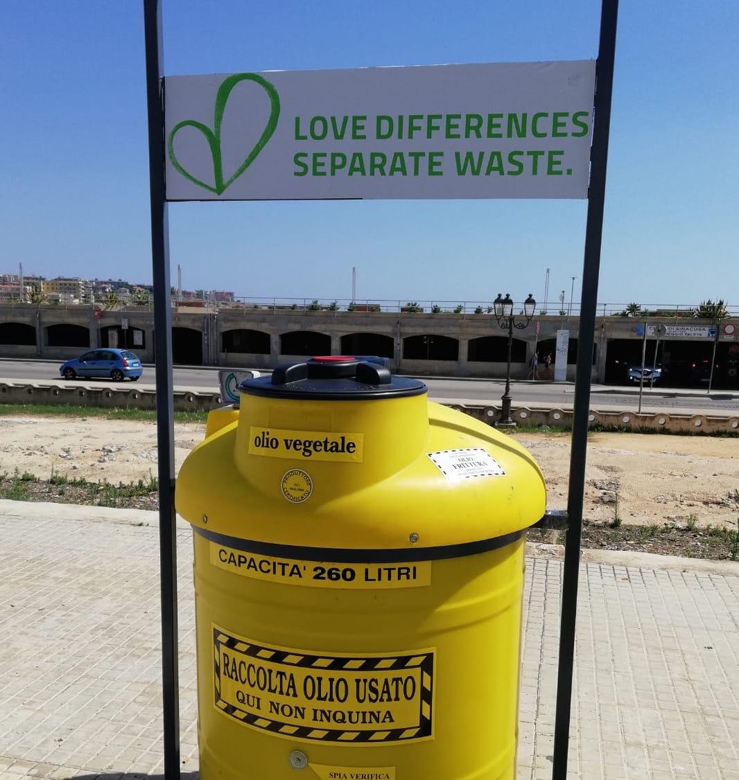 """Progetto """"Urban Waste"""", in Ortigia il contenitore degli oli esausti"""