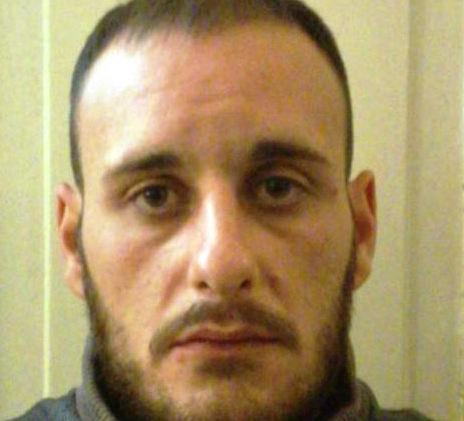Catania, colti a spacciare: sequestrato mezzo chilo di marijuana