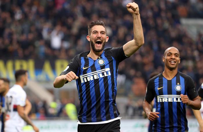 L'Inter a San Siro come un fiume in piena: travolge il Genoa ( 5 - 0)