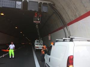 """Gallerie spente sulla Siracusa - Catania, il M5s: """"La Regione convochi l'Anas"""""""