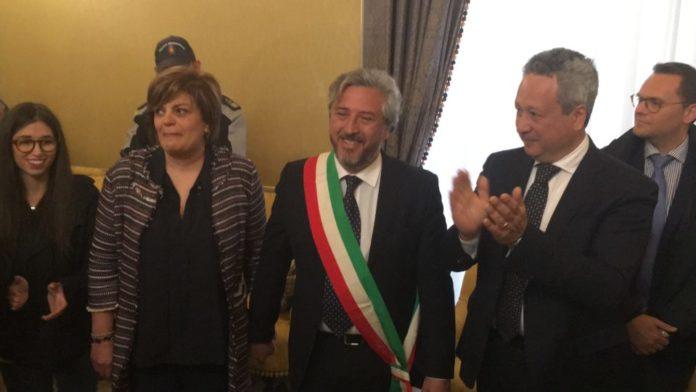 Caltanissetta, si è insediato il nuovo sindaco pentastellato Gambino