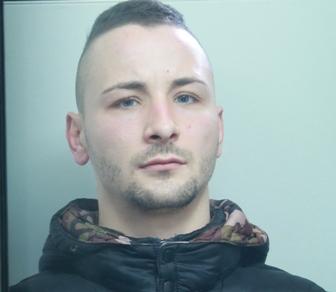 Catania, rapisce il figlioletto e minaccia di ucciderlo: arrestato
