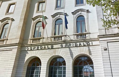 Catania, vandali in azione al Garibaldi: danneggiata la tensostruttura