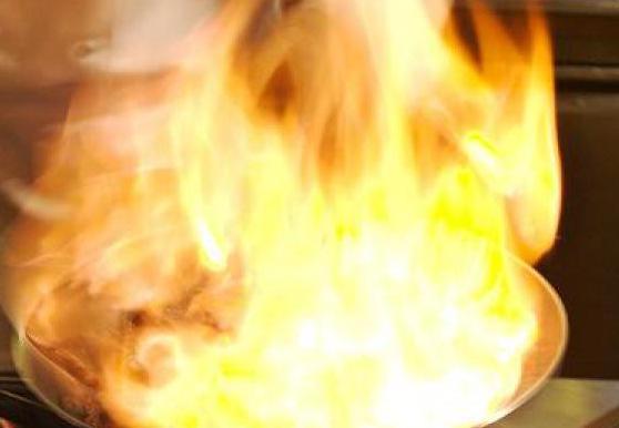 Incidente domestico ad Avola, resta ustionata da una fiammata