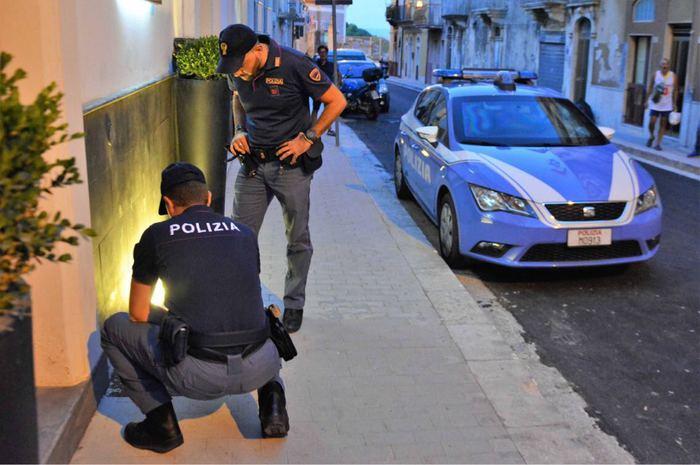 Ragusa, coniugi intossicati in albergo dal gas: il marito esce dal coma