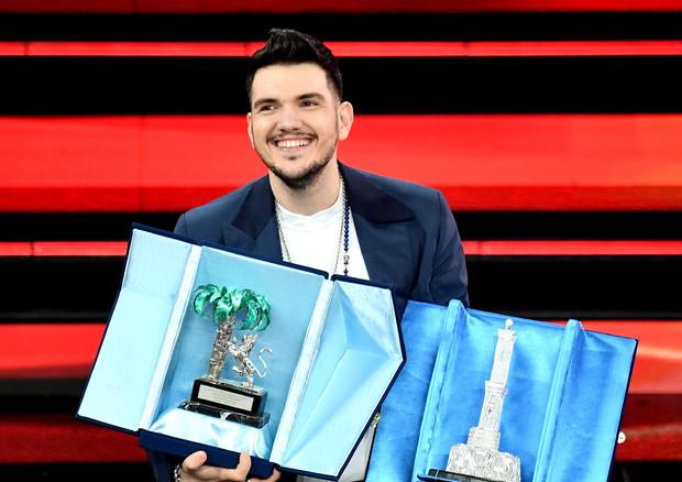 Nuove proposte, Gaudiano con 'Polvere da sparo' vince il Festival di Sanremo