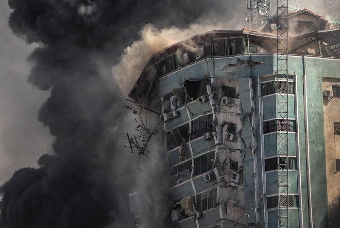Gaza,colpito il grattacielo dei media: pioggia di razzi su Tel Aviv