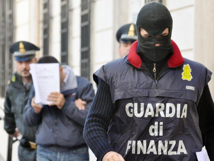 Corruzione: arrestati funzionari ad Agrigento, Roma, Napoli e Salerno