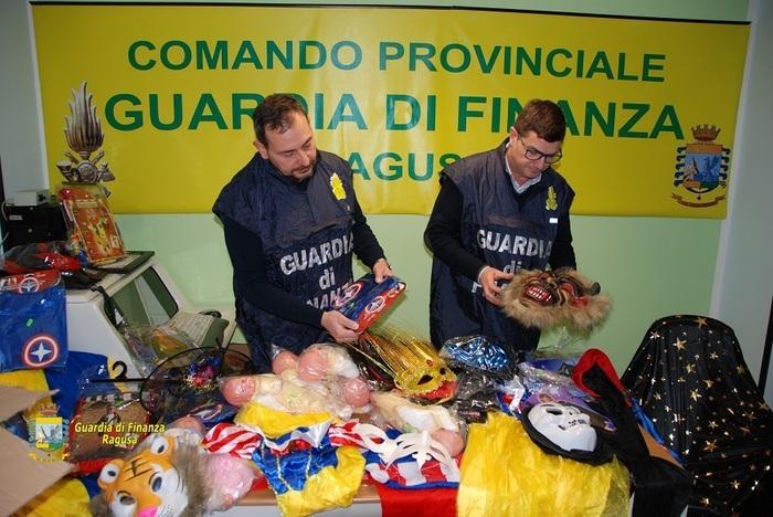 Sequestrate maschere di carnevale illegali tra Ragusa e Modica